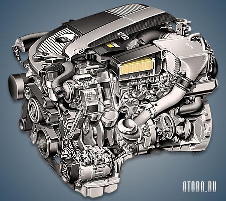 Мотор Mercedes M275 вид сбоку.