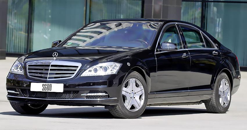 Mercedes S600 с бензиновым двигателем 5.5 литра 2010 года
