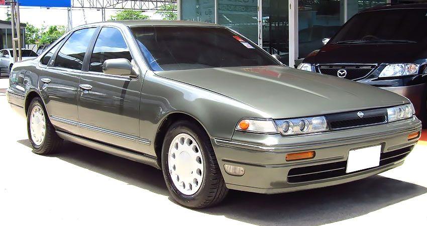 Nissan Cefiro с бензиновым двигателем 2.0 литра 1993 года