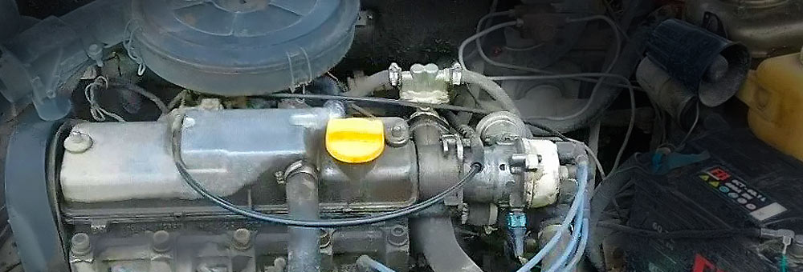 Силовой агрегат ВАЗ 2110 под капотом Лада 110.