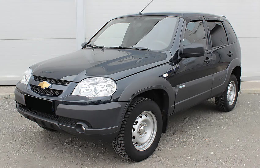 Chevrolet Niva с бензиновым двигателем 1.7 литра 2015 года.